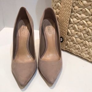 Schutz Heels in Taupe / Nude Size 7 B GUC